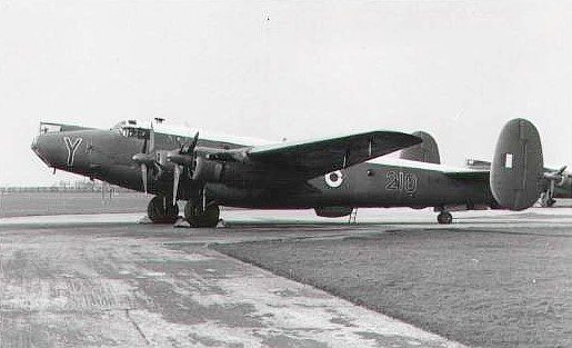 Shackleton WL797/Y of 210 Sqn