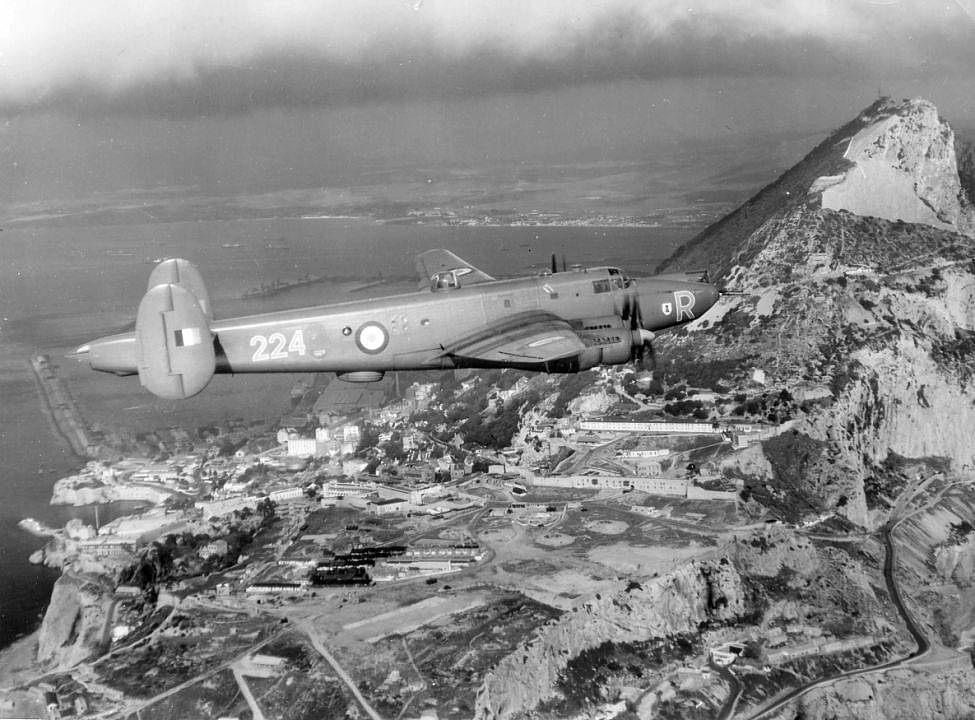Avro Shackleton Mk2 flying over Gibraltar